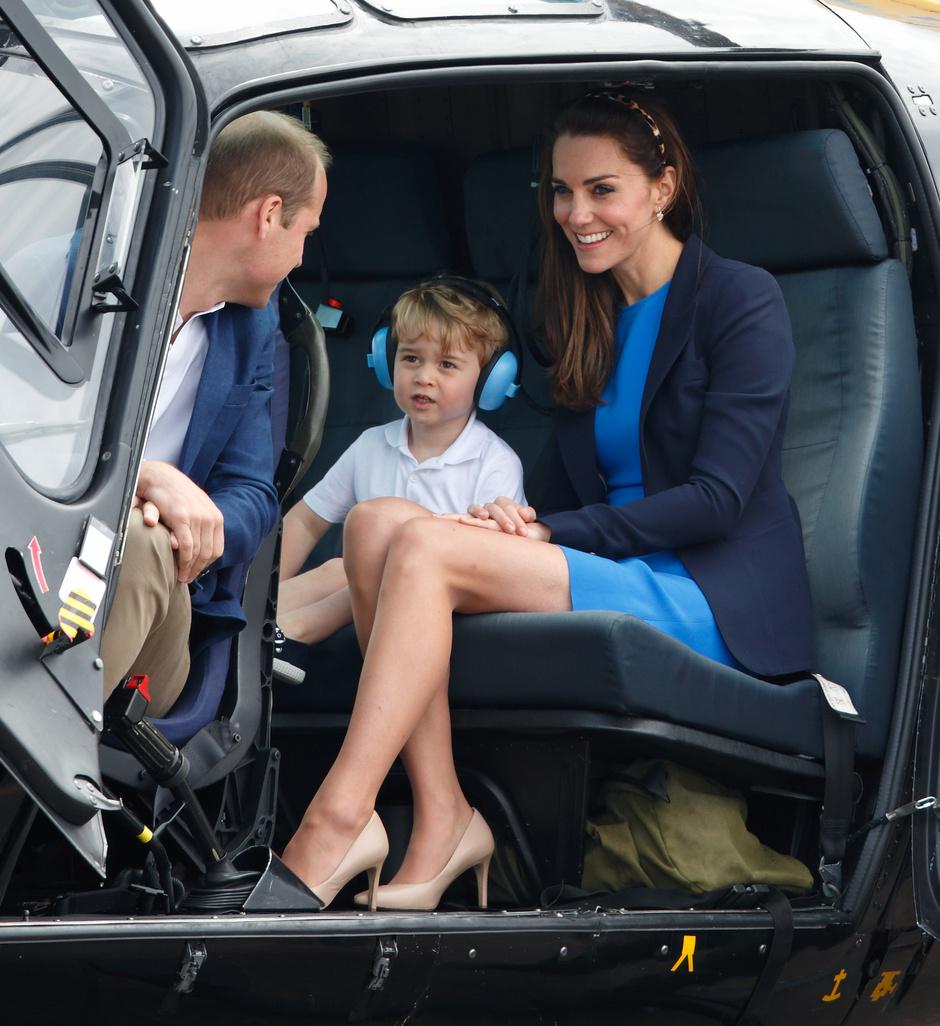 Кейт Миддлтон с принцем Георгом