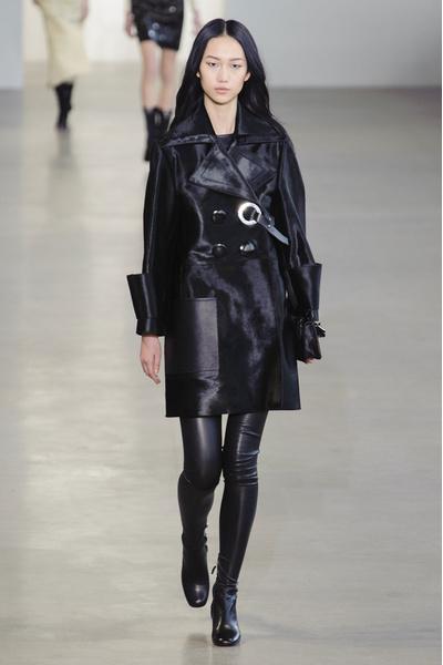 Показ Calvin Klein на Неделе моды в Нью-Йорке | галерея [1] фото [17]