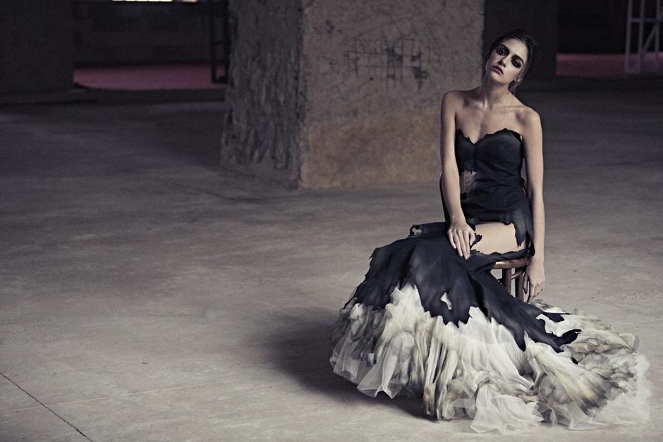 как носить вещи из осенней коллекции Moschino