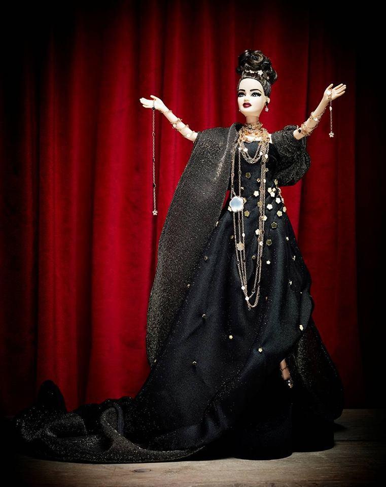 Кукла от Pasquale Bruni