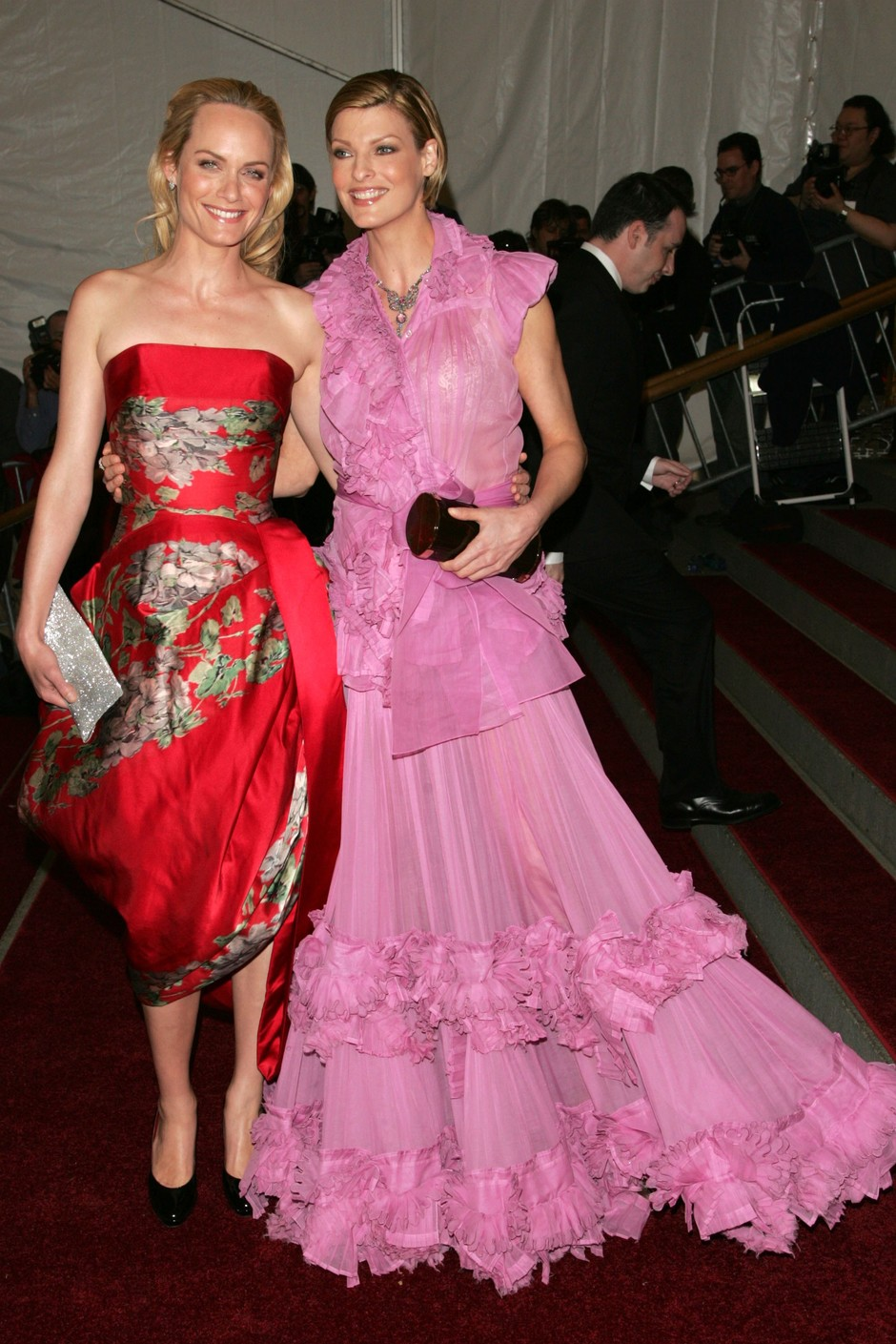 Амбер Валлетта и Линда Евангелиста, 2006 год