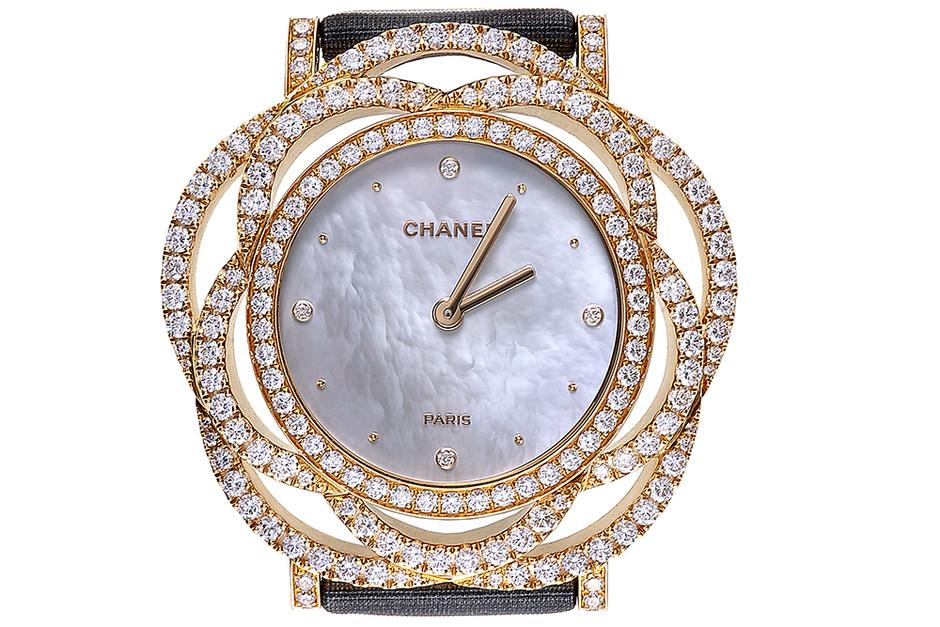 Часы Camelia Brode, розовое золото, бриллианты, перламутр, Chanel Horlogerie, 2 030 400 руб.