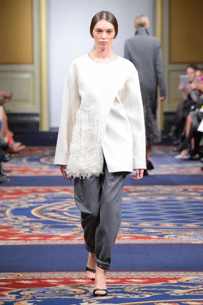 Показ осенне-зимней коллекции Ruban на Mercedes-Benz Fashion Week RussiaПоказ осенне-зимней коллекции Ruban на Mercedes-Benz Fashion Week Russia | галерея [2] фото [23]
