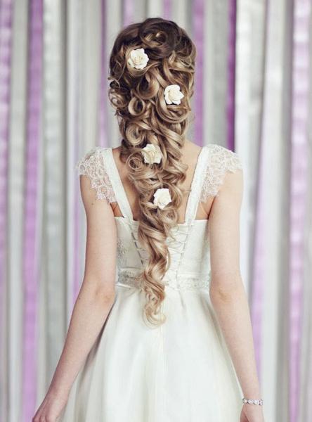Как украсить цветами свадебную прическу? | галерея [2] фото [6]