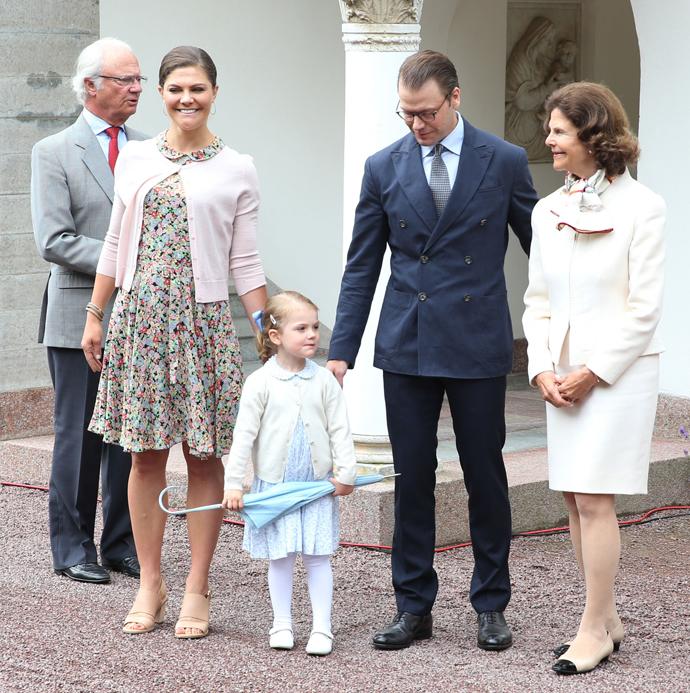 Карл XVI Густав, принцесса Виктория, Эстель, принц Даниэль и королева Сильвия