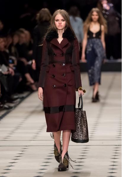 Показ Burberry Prorsum на Неделе моды в Лондоне | галерея [1] фото [16]