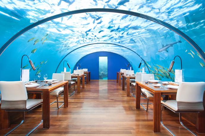 Подводный ресторан Ithaa Restaurant в Conrad