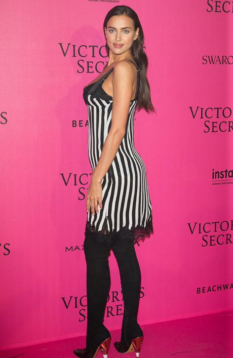 Образ дня: беременная Ирина Шейк в Givenchy