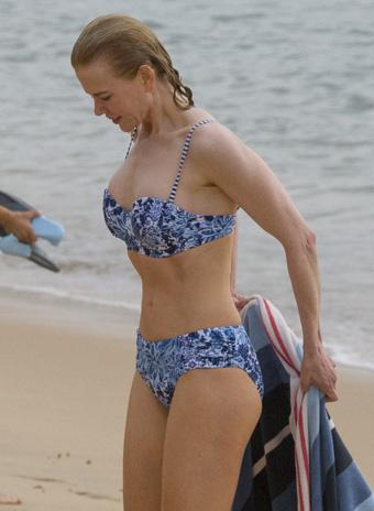 Николь Кидман показала роскошную фигуру в бикини