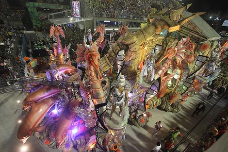 Карнавал в Рио-де-Жанейро самба