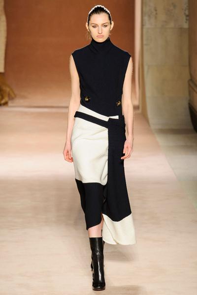 Показ Victoria Beckham на Неделе моды в Нью-Йорке | галерея [1] фото [21]