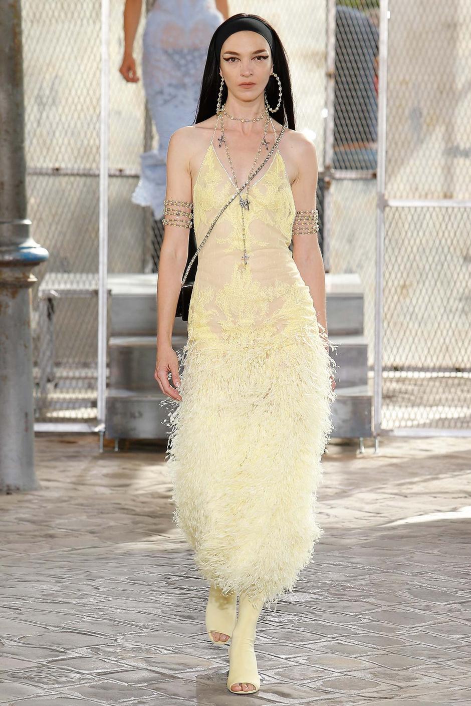 Мариякарла Босконо на показе Givenchy весна-лето 2016