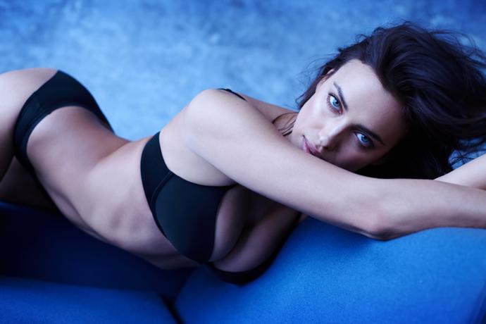 Ирина Шейк в новой сексуальной съемке Intimissimi
