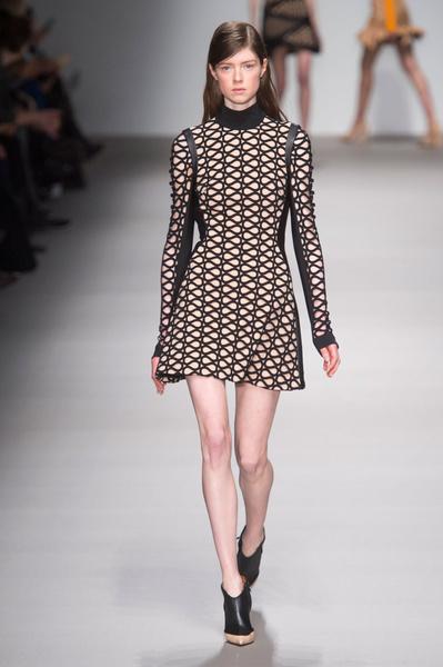 Неделя моды в Лондоне: 22 февраля | галерея [1] фото [5]