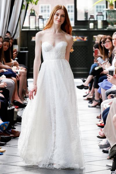 50 самых красивых платьев со Свадебной Недели Моды в Нью-Йорке | галерея [1] фото [13]