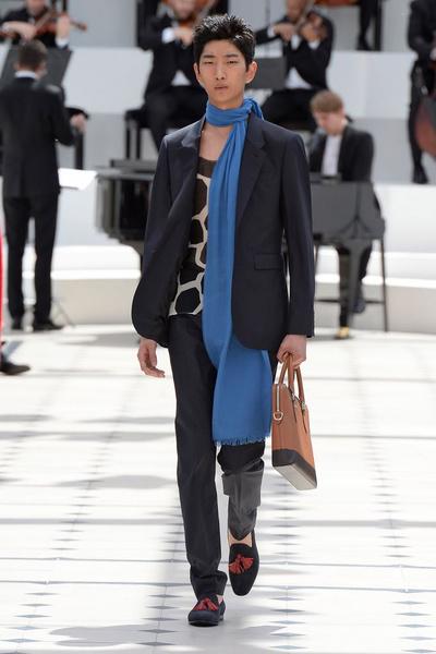Показ Burberry Prorsum на Неделе мужской моды в Лондоне | галерея [2] фото [11]