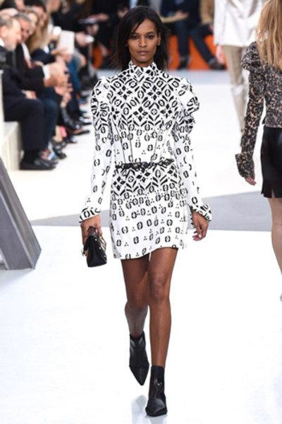 Неделя моды в Париже: показ Louis Vuitton ready-to-wear осень-зима 2015/16 | галерея [1] фото [1]