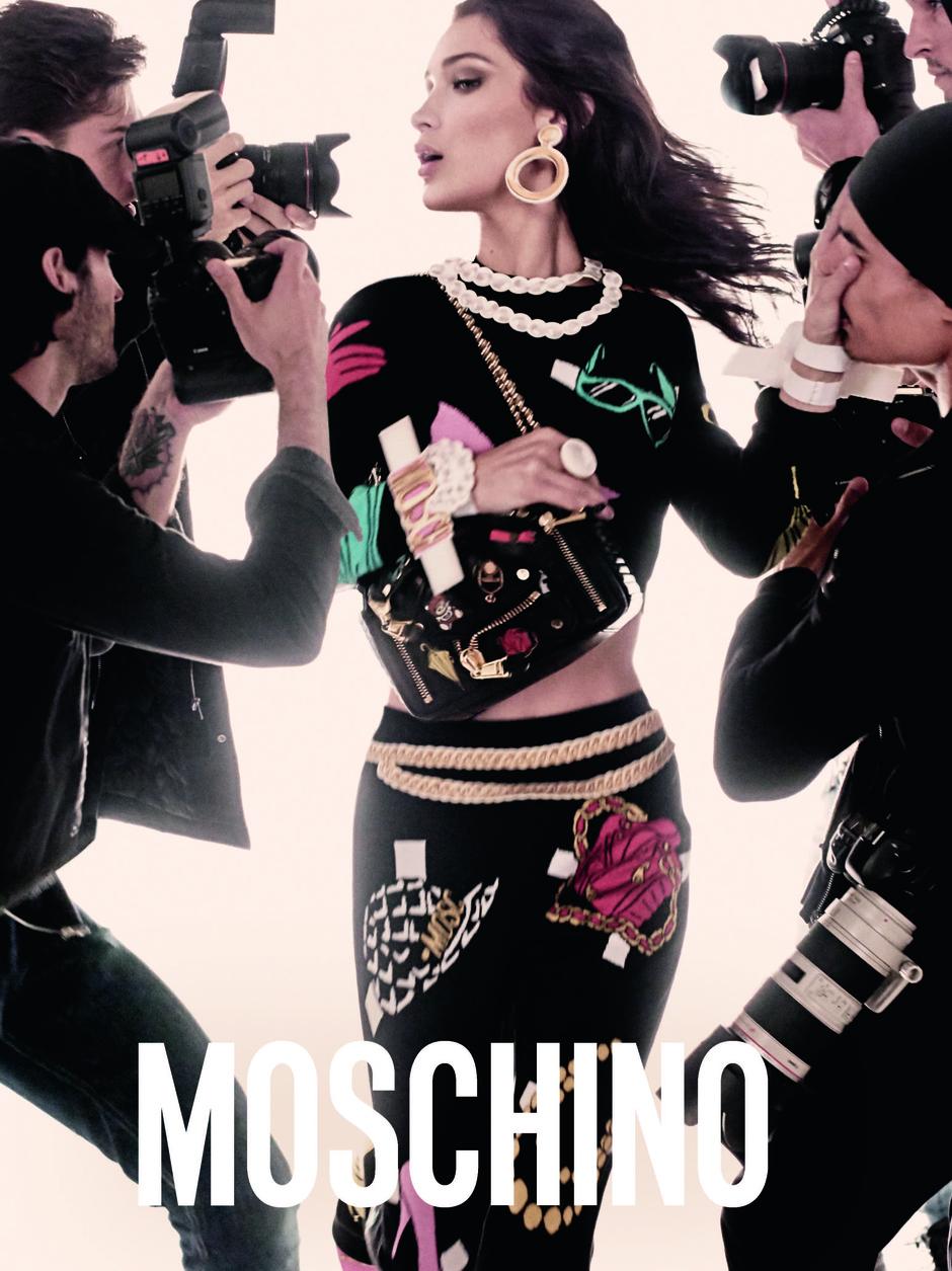 Белла и Джиджи Хадид в рекламной кампании Moschino