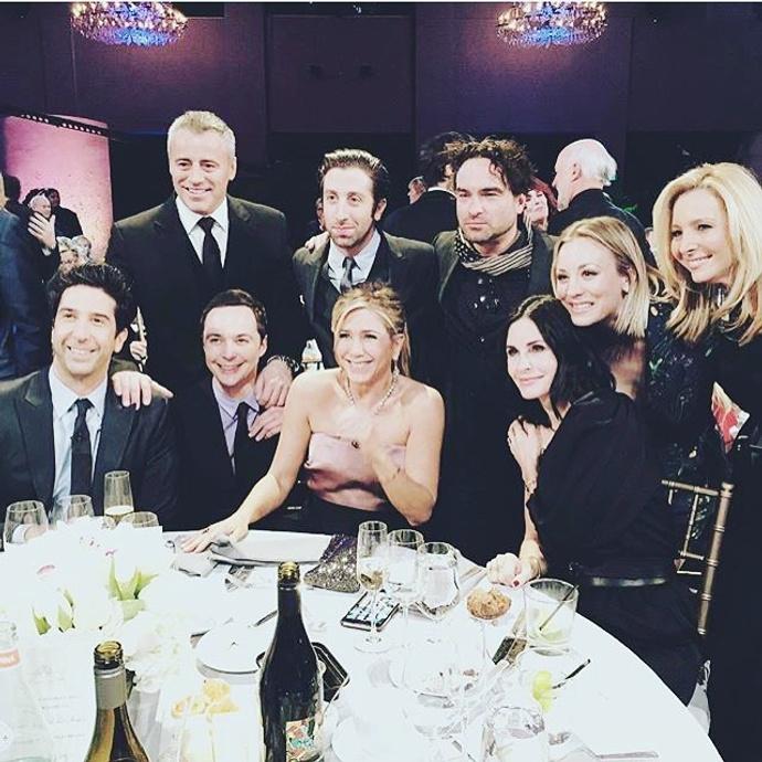 Фото дня: актеры сериала «Друзья» встретились спустя 12 лет