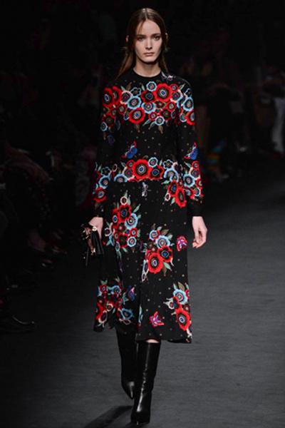 Неделя моды в Париже: показ Valentino ready-to-wear осень — зима 2015-2016 | галерея [1] фото [10]