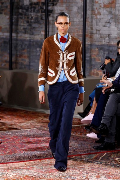 Дом Gucci представил новую круизную коллекцию 2016 | галерея [2] фото [4]