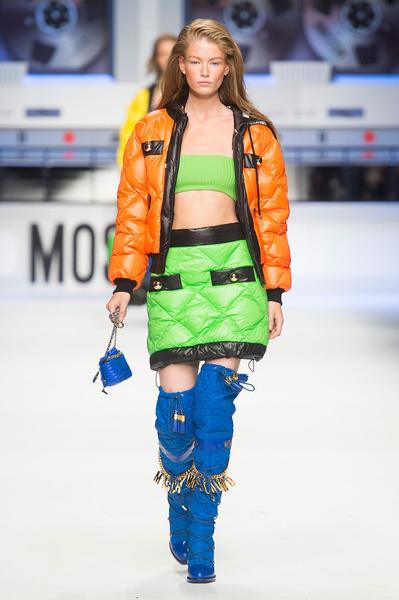 Показ Moschino на Неделе моды в Милане | галерея [2] фото [11]