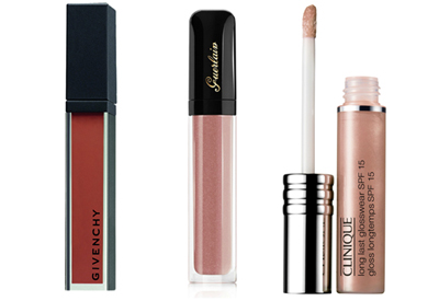 Выбор Elle.ru : блески для губ Сroisiere Baume Gloss Natural, Givenchy;  Glooss D'Enfer LPetite Robe Noire, Guerlain;  Long Last Glosswear c SPF15, Clinique