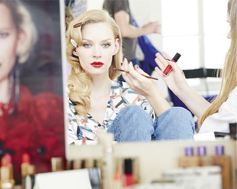 Star Trends: Светлана Ходченкова в модных бьюти-образах нового сезона | галерея [1] фото [1]