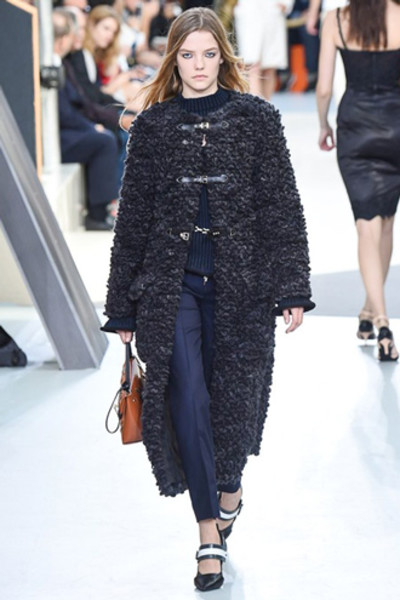 Неделя моды в Париже: показ Louis Vuitton ready-to-wear осень-зима 2015/16 | галерея [1] фото [15]