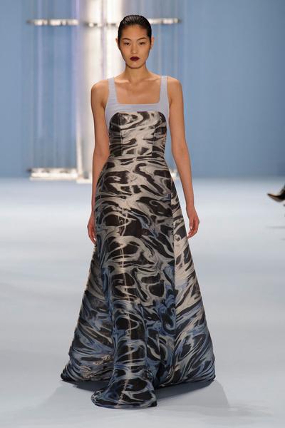 Black tie: показы Carolina Herrera, Reem Acra и Zac Posen на Неделе моды в Нью-Йорке | галерея [2] фото [15]