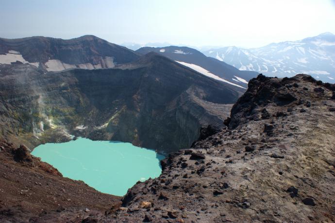 Вид с вулкана Горелый на Камчатке, Россия