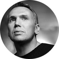Дизайнер Майк Шилов