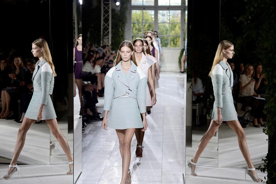 В Китае прошел показ специальной коллекции Balenciaga