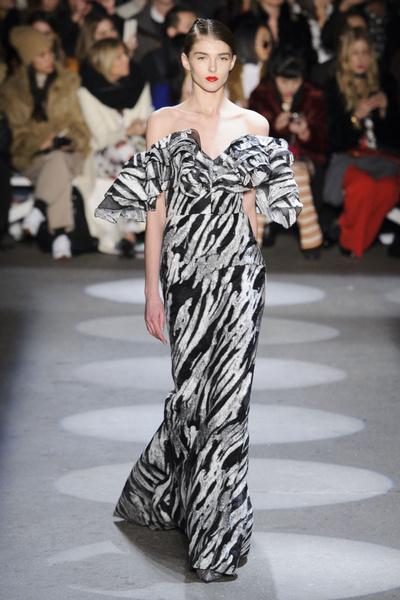 Самые красивые образы Недели моды в Нью-Йорке | галерея [1] фото [36]