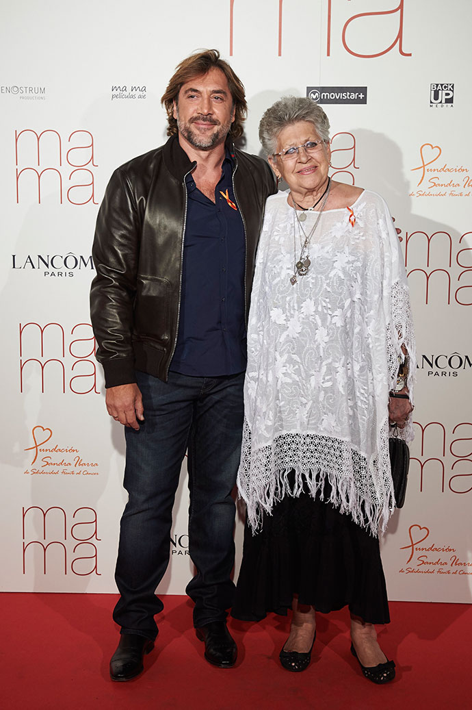Хавьер Бардем с мамой Пилар