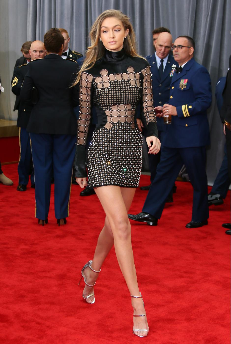 Платье Джиджи Хадид назвали самым обсуждаемым нарядом недели