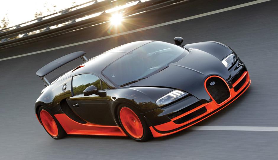 Автомобиль Bugatti Veyron Supersport