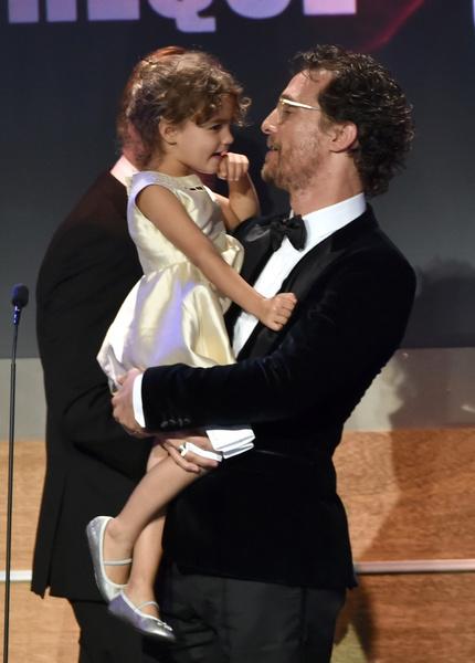 Мэттью МакКонахи с дочерью Видой