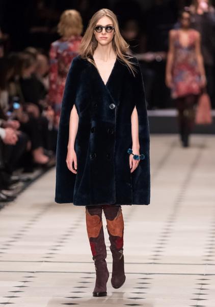 Показ Burberry Prorsum на Неделе моды в Лондоне | галерея [1] фото [25]