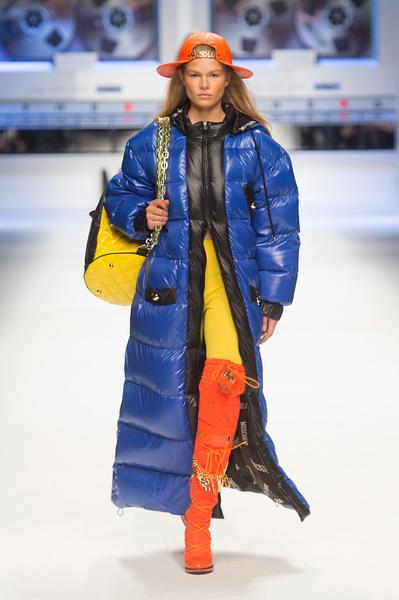 Показ Moschino на Неделе моды в Милане | галерея [2] фото [12]