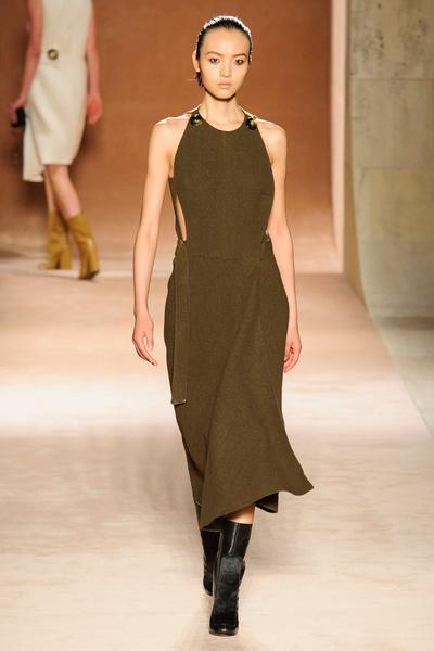 Показ Victoria Beckham на Неделе моды в Нью-Йорке | галерея [1] фото [12]