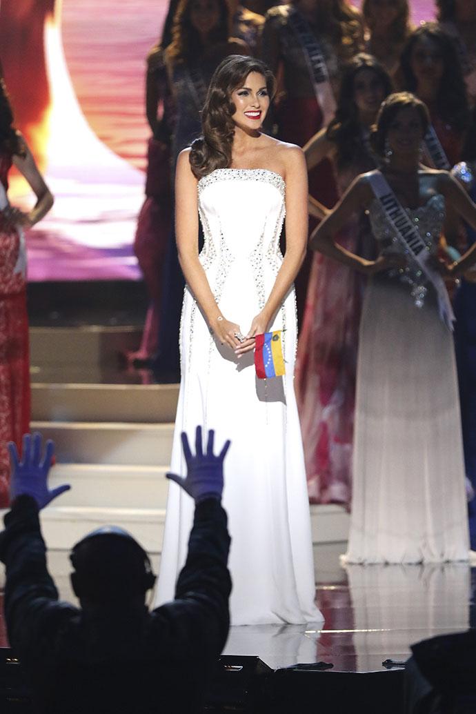 """Обладательница титула """"Мисс Вселенная 2013"""" Габриэла Ислер"""