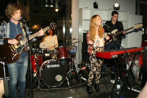 SingTank band