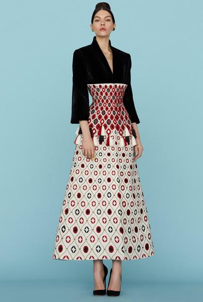 Ульяна Сергеенко представила новую коллекцию на Неделе высокой моды в Париже | галерея [1] фото [4]