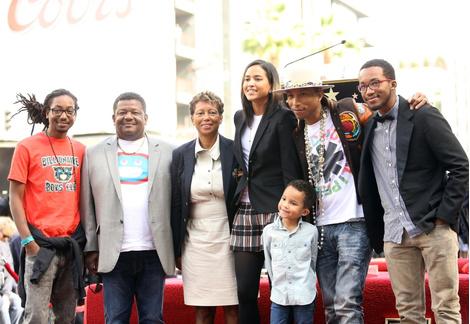 Фаррелл Уильямс с семьей