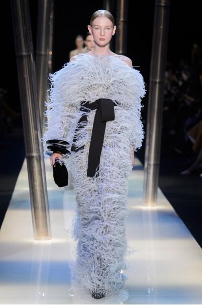 На Неделе высокой моды в Париже прошел юбилейный показ Giorgio Armani Prive | галерея [2] фото [16]