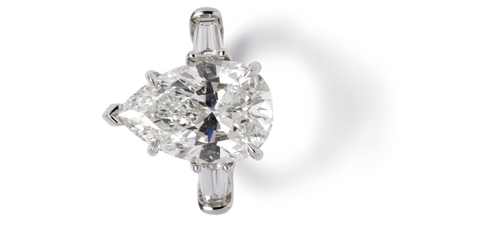 Кольцо, платина, бриллианты, Harry Winston, цена по запросу.