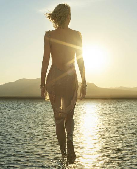 Шарлиз Терон в новой рекламной кампании Dior J'adore «Woman»