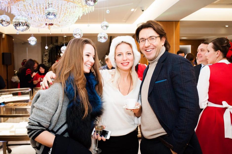 Александра Маниович, Светлана Захарова и Андрей Малахов