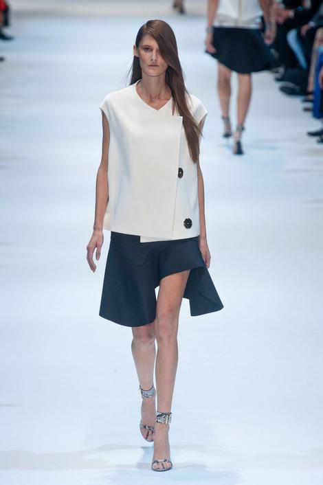 На Неделе моды в Париже прошел показ Guy Laroche